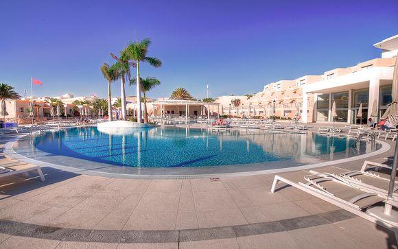 El Hotel SBH Monica Beach Resort le abre sus puertas