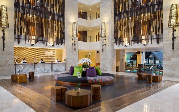 Holiday Inn Benoa 5*