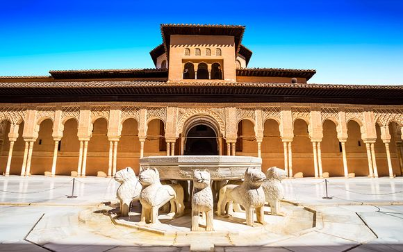 En el centro de la ciudad a 30 minutos a pie de la Alhambra