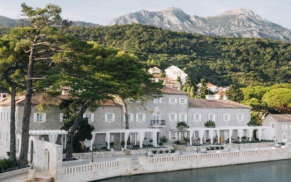 Lazure Marina & Hotel