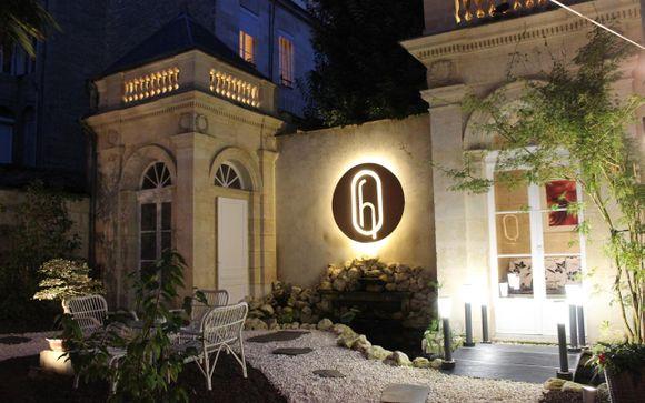Poussez les portes de l'Hôtel des Quinconces 5*