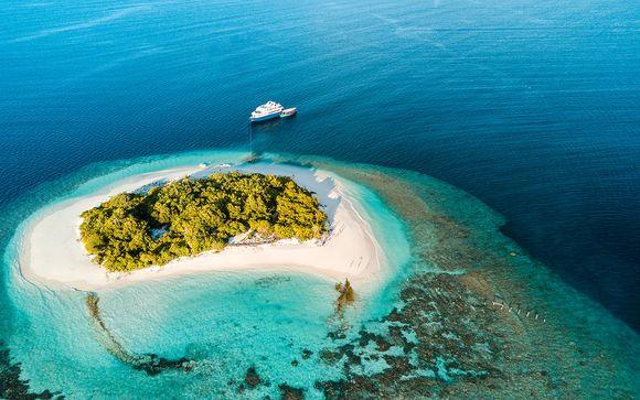 Yacht luxueux pour évasion au fil des eaux cristallines
