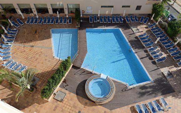 Poussez les portes de votre Hôtel Costa Narejos 4*
