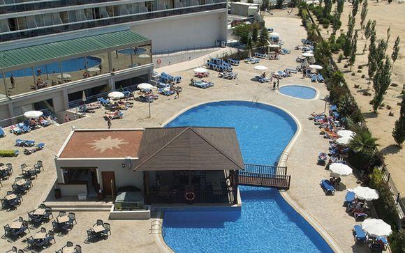 Poussez les portes de l'hôtel Sol Costa Daurada 4*