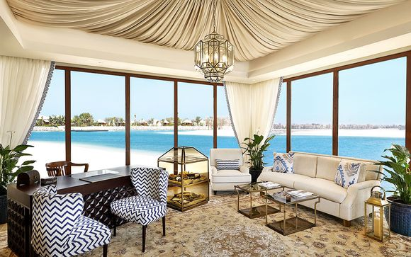 Poussez les portes de votre hôtel Ritz Carlton Al Hamra Beach 5*
