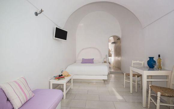 Poussez les portes de l'Iliovasilema Suites 4* à Santorin