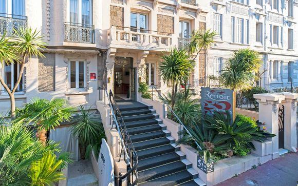 Poussez les portes de l'Hôtel Renoir 4*