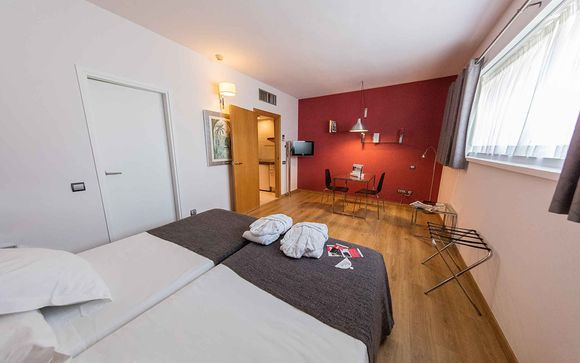 Poussez les portes de l'Aparthotel Atenea Barcelona 4* et de l'hôtel Caribe PortAventura 4*