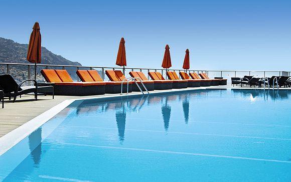 Votre séjour à l'hôtel Four Views Baia 4*