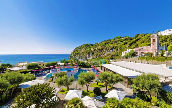 Relax in hotel 4* nella splendida baia di San Francesco