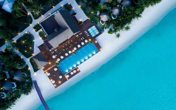 Mercure Maldives Kooddoo Resort 4*