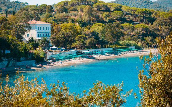 Villa ottocentesca a 5* con piscina e spiaggia privata