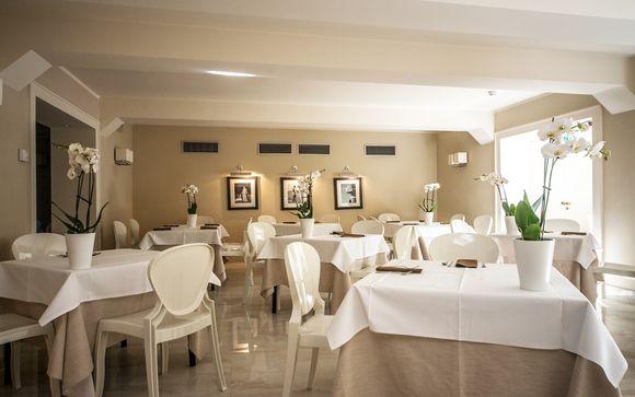 Hotel De La Ville 4*