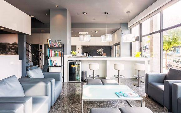 Moderno e sofisticato hotel con terrazza panoramica