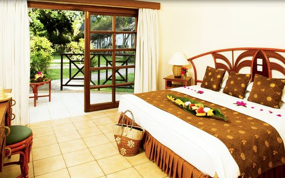 Neptune Village Beach Resort & spa Hotel 4*