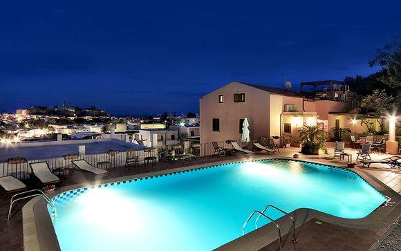 Elegante villa dell'800 con vista panoramica sull'isola di Lipari