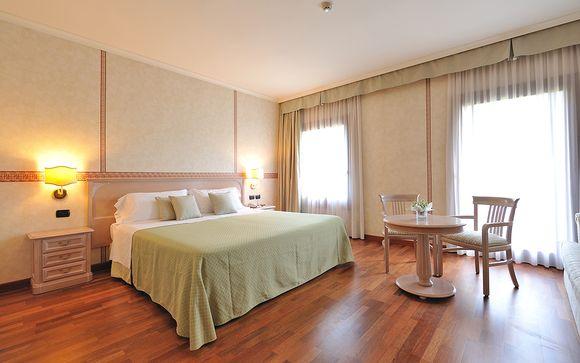 L'Hotel Roxy Plaza 4*