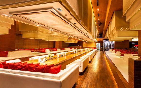 Bangkok - Column Bangkok Hotel 4*