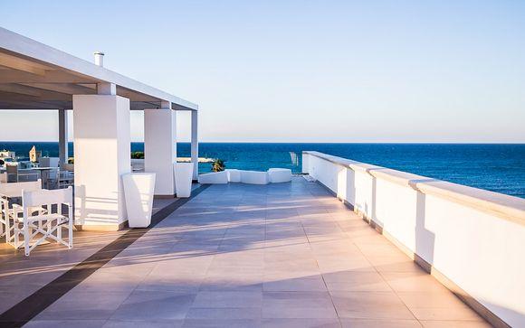 Incantevoli suite in 4*S con terrazza panoramica sul mare