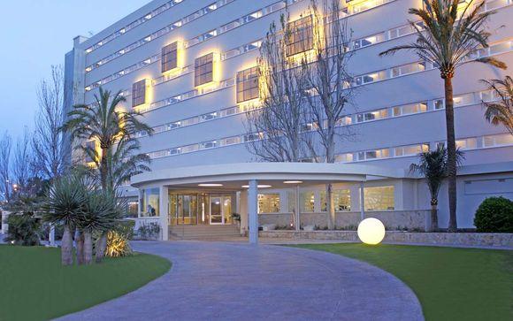 Hotel Java 4*