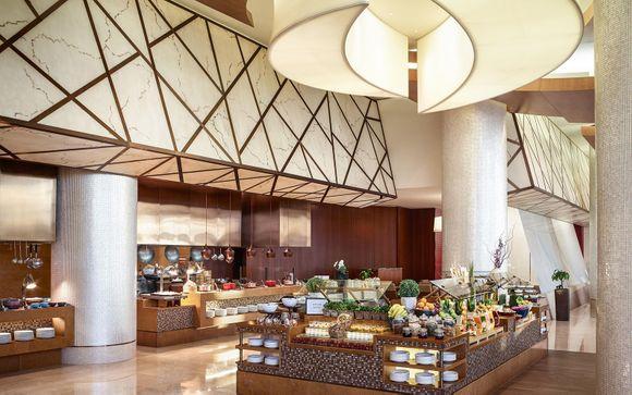 Lo Swissotel Al Ghurair 5*