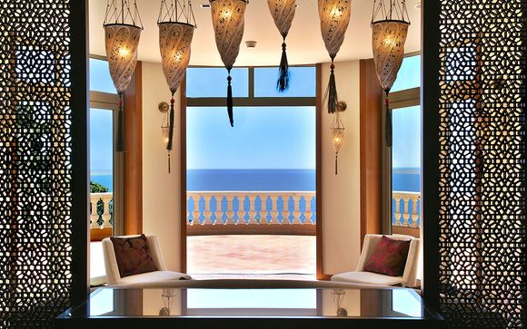 Hotel Tiara Yaktsa 5*