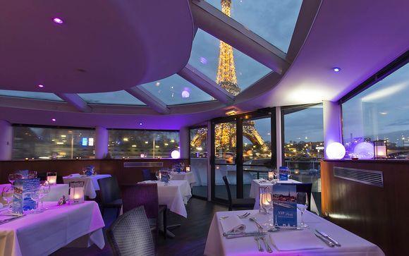 Parigi vista dalla Senna navigando a bordo di un hotel 4*