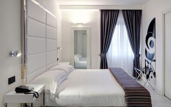 Hotel River 4*