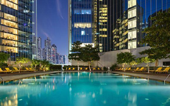 Glamour ed eleganza in 5* con vista sul Burj Khalifa