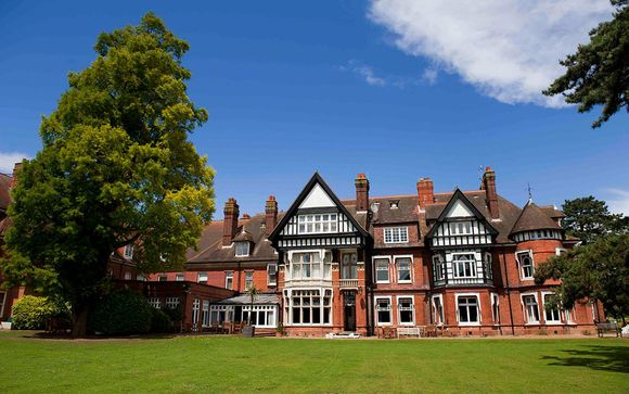 Four Gables Cookery School & Woodlands Park Hotel 4*