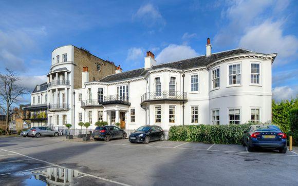 Richmond Gate Hotel 4*