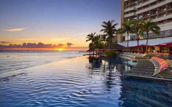 Luxe Sunset Boulevard Hotel & Sheraton Waikiki Hotel 4*