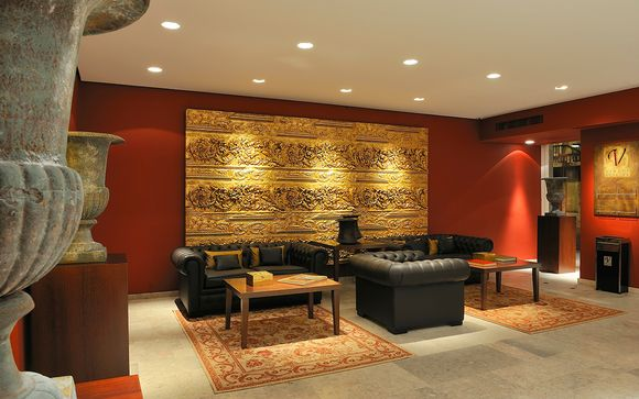 Stylish Stay in a Great Shopping Area