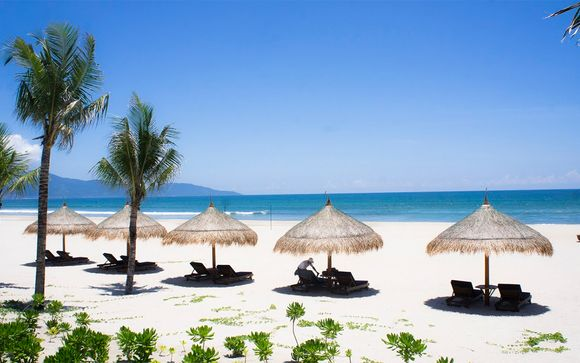 Cultural Lures, Bay Cruise and Beautiful Beach Stay