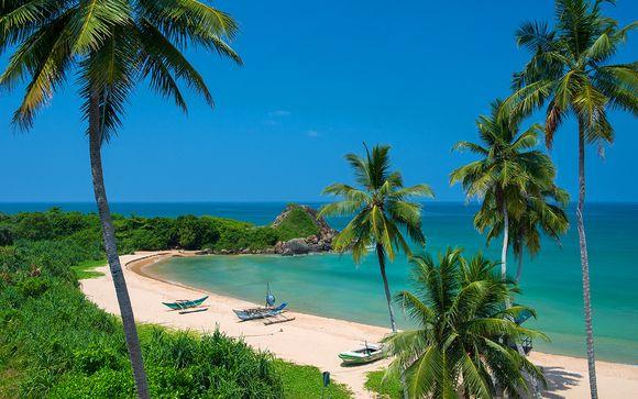 Scenic Round Tour & Taprobana Beach Stay