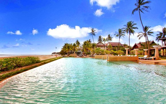 Apsara Beachfront Resort & Spa 4*