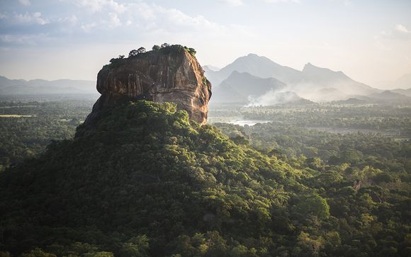 Private Sri Lanka Tour in 5* or 5* Luxe Hotels & Optional Abu Dhabi Stopover