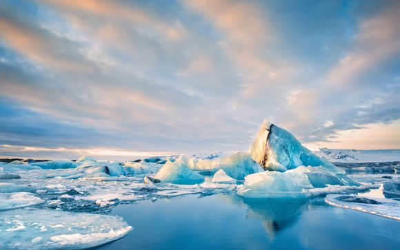 Incredible Icelandic Escape with Excursions