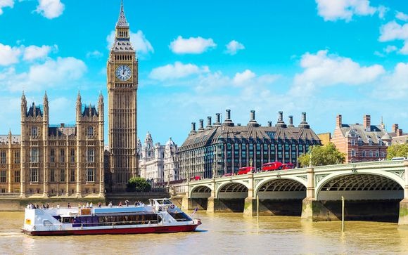 Your cruise of the Thames River and dinner at Hard Rock Café London