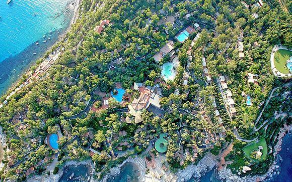 Extensive Resort in a Beautiful Island Setting