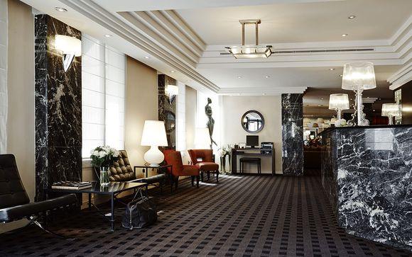 Hotel Plaza Tour Eiffel 4*