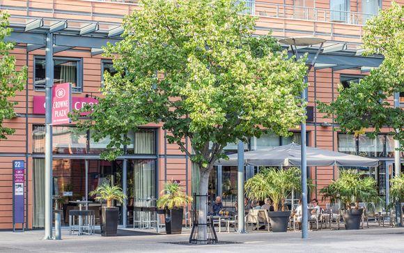 Crowne Plaza Lyon - Cite Internationale 4*