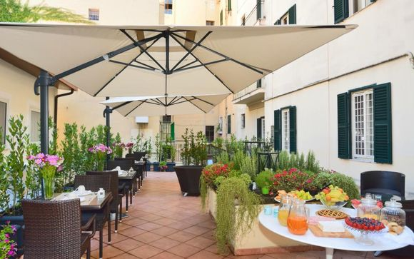 Hotel Apogia Lloyd Roma 3*