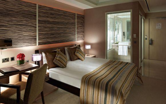 Cratos Premium Hotel & Casino 5*
