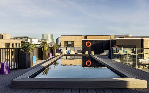 Stylish Design Hotel with Swimming Pool in Paris