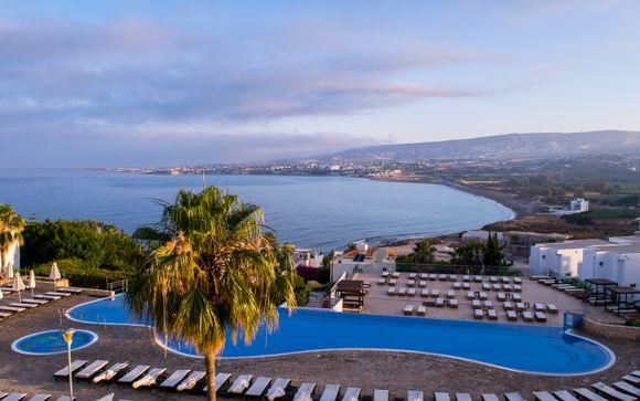 Theo Sunset Bay Hotel 4*