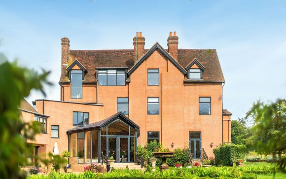 Guildford Manor Hotel & Spa 4*