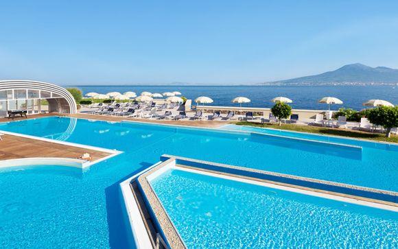Moderno 4* vista mare con spiaggia privata e spa